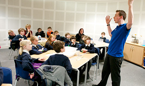 Teaching session at Jodrell Bank
